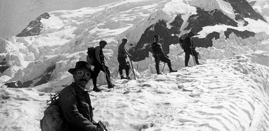 Foto histórica de montañismo vasco